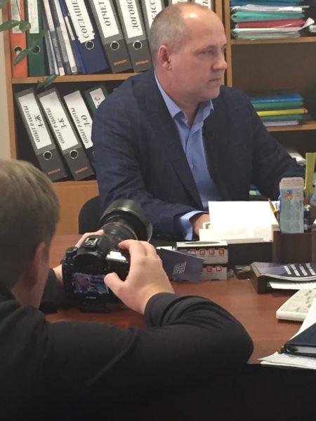 фотоаппарат мужчина адвокат Алексей Нянькин книги шкаф