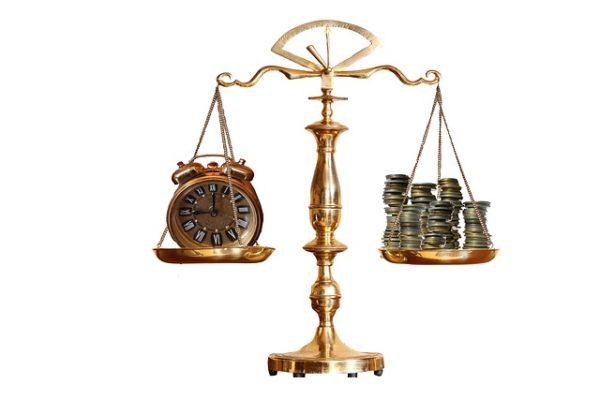 весы часы денежные монеты